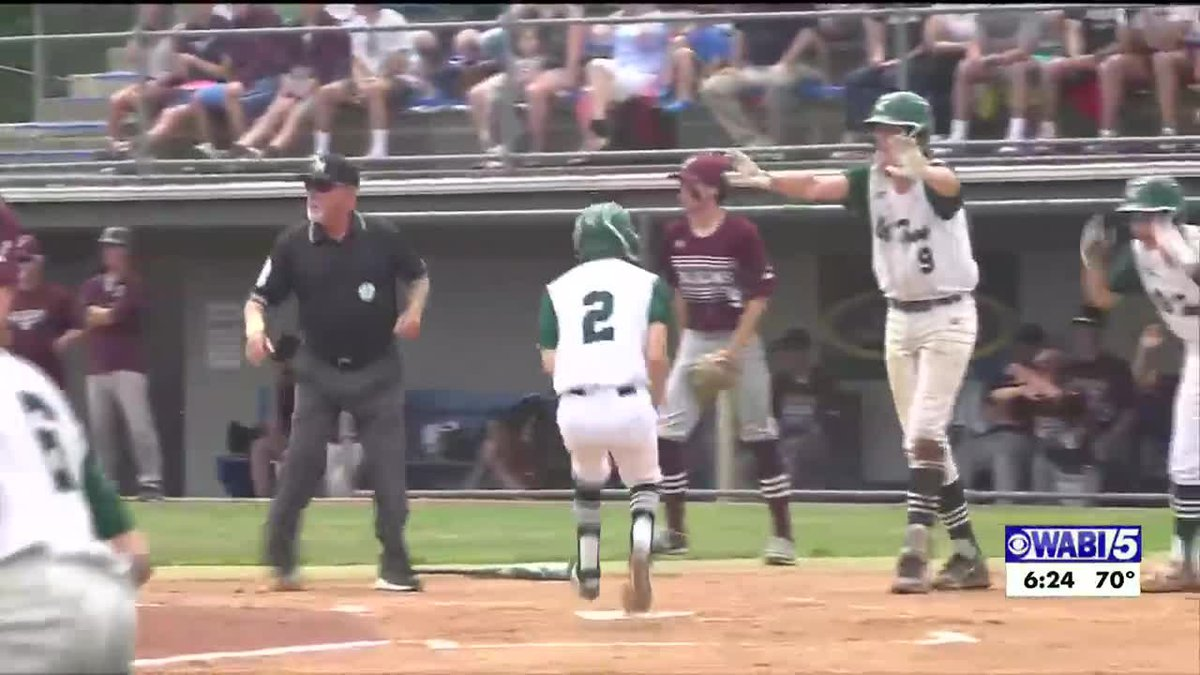 Old Town powers past Freeport in the class B state baseball game