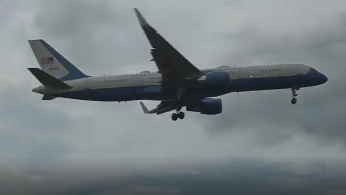 It may look the part, but it isn't Air Force One.