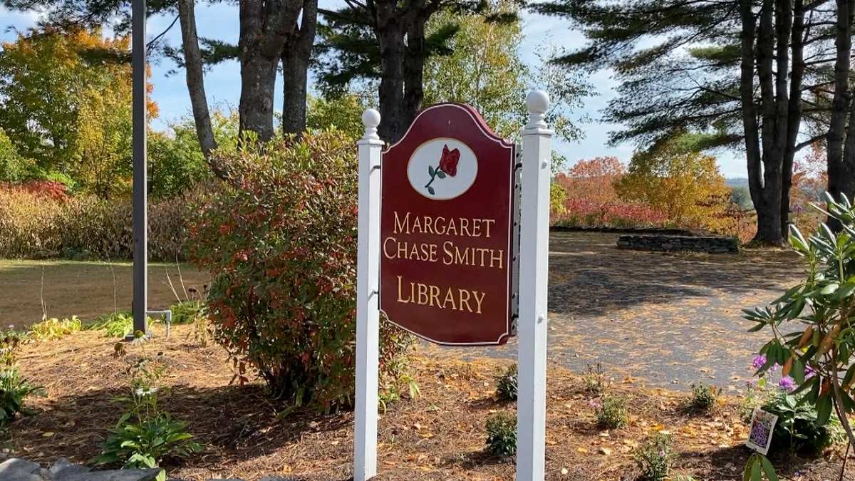 Margaret Chase Smith Library employee retires after 37 years.