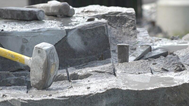 Six sculptors work their craft for Maine's Bicentennial