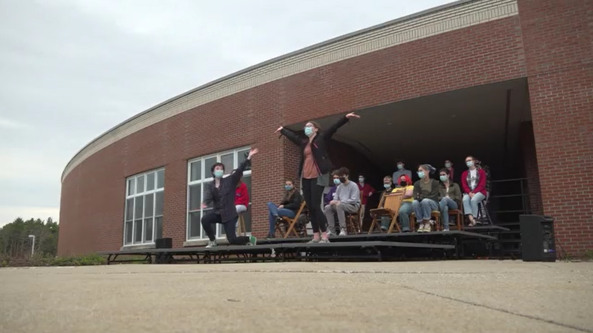Camden Hills Regional High School students to perform live production for first time since...