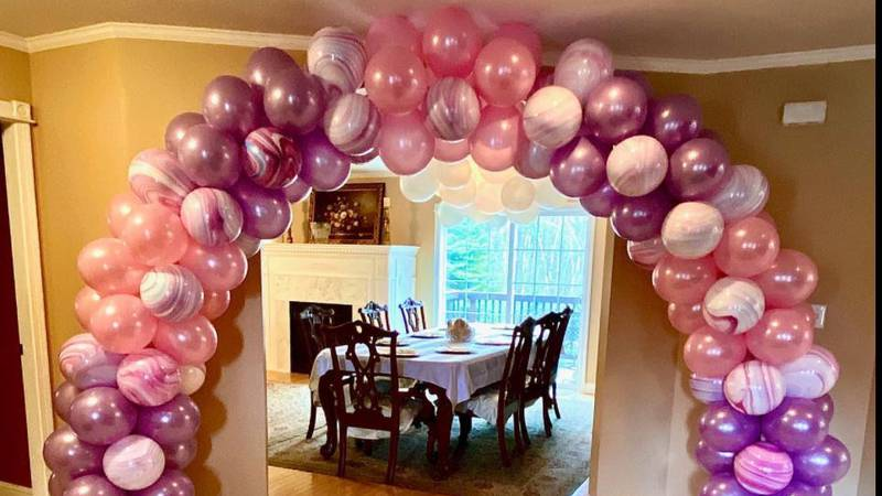 Twin 16 year old girls from Glenburn bursting with business thanks to balloons