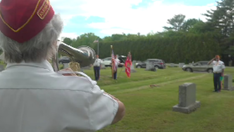 A group of marine veterans gathered in Waterville Sunday Morning to honor a laid to rest medal...