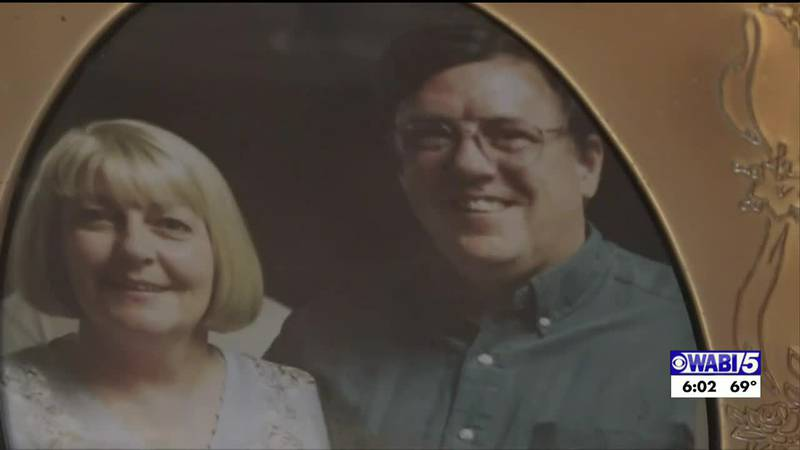 Husband and wife die within days of each other with COVID-19