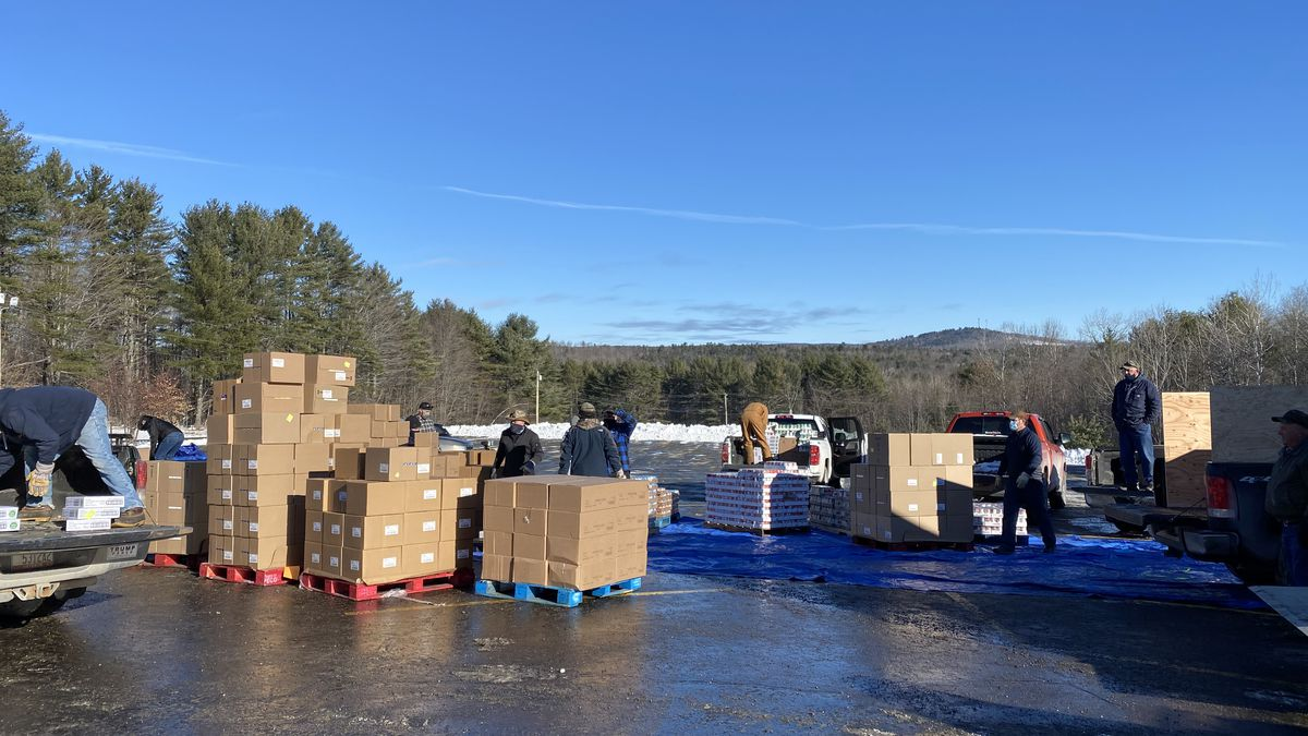 Union members from Sappi Somerset Mill in Skowhegan deliver nearly 10 tons of food to community...