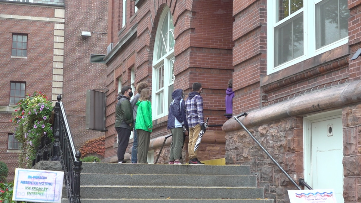 Waterville High School students hold march for voter registration