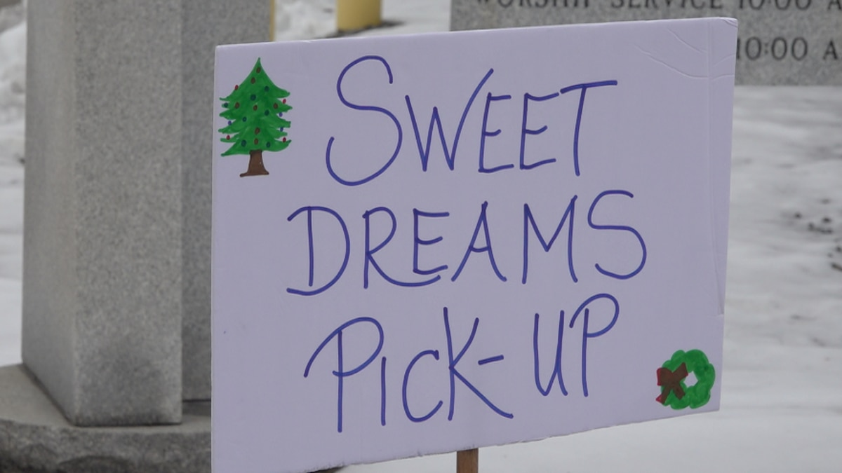 Sweet Dreams Project gives Christmas presents to children in need.