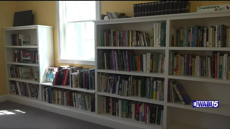 Two Unity women looking to create a new public library.